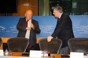 Авторите на доклада Жан-Люк Деан и Ивайло Калфин. Снимка: kalfin.eu